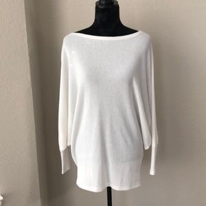 White bat-sleeved blouse